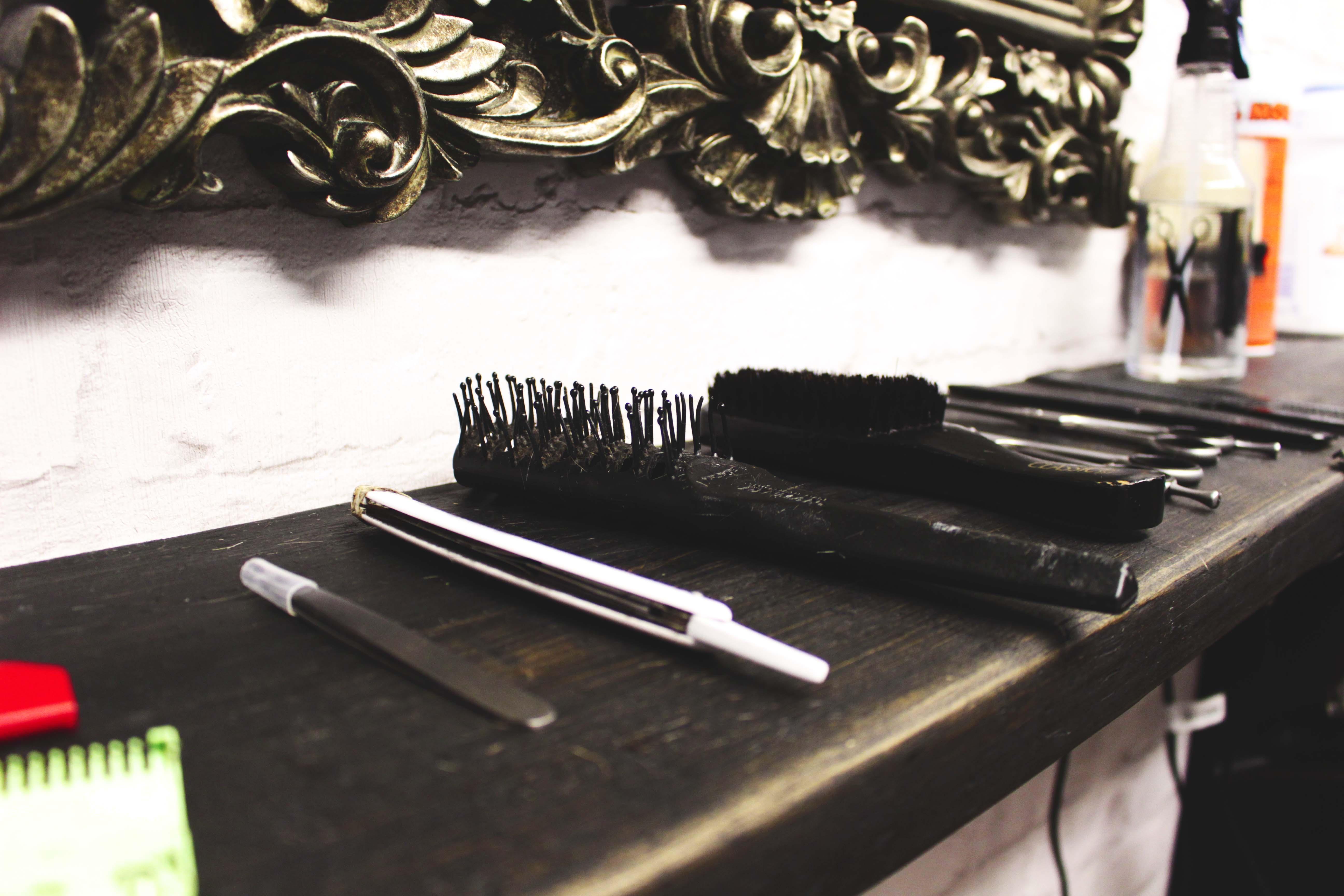 Close Brush